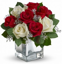 Faith Hill - Snowy Night Bouquet from Martinsville Florist, flower shop in Martinsville, NJ